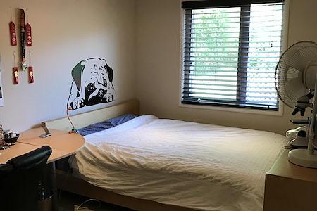 Paul's Fairfax Retreat - Upstairs Office