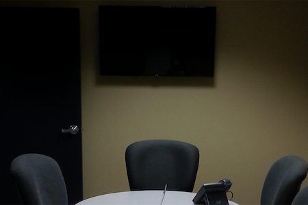 TKO Suites - 300 Delaware - Meeting Room