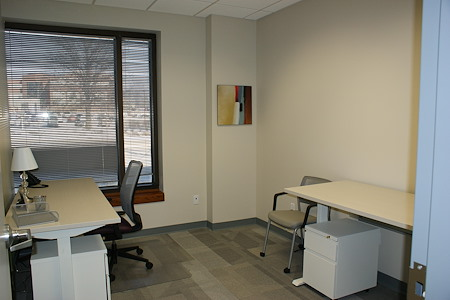 Office Evolution - Overland Park - Office --day office,  window view