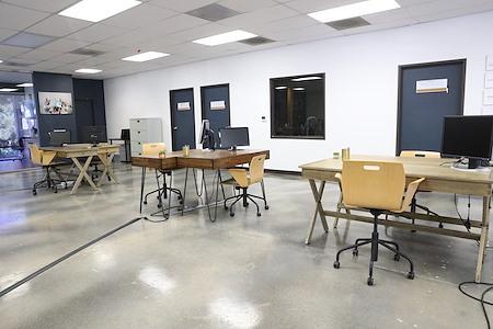 Crowd Hub Apps - Dedicated Desks + 5 Conference Rooms