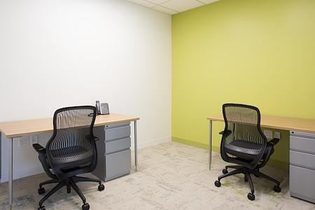 Carr Workplaces - DTLA - Touchdown Desk