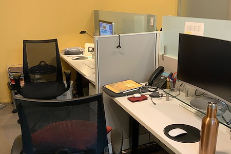 Enact Leadership - Pod of 4 Desks at front of office