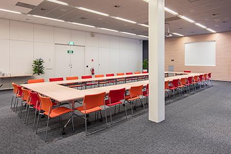 Regus | Hoofddorp, Hoofddorp Transpolis - Dedicated Desk