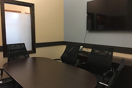 Office Evolution - Fort Collins - Medium Conference Room