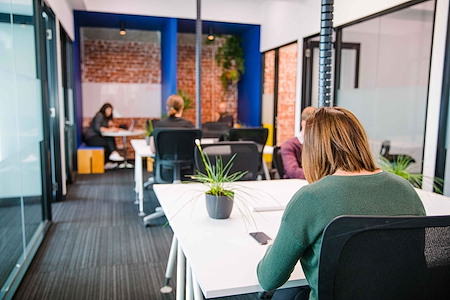 OfficeOurs-Spotswood - Dedicated coworking desk