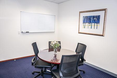 Servcorp 101 Collins Street - Level 27 - Meeting Room   Seats 4