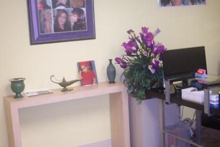 LA Hair Extensions - Office 1