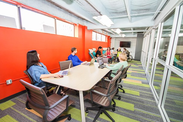Work it Coworking - Vibrant conference Room