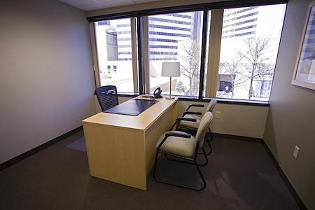 Intelligent Office - Columbus - Executive Suite Window Office