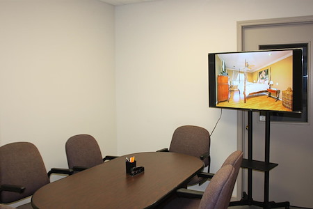 Pearl Street Business Center in Metuchen, NJ - Conference Room: up to 6  people (#105)