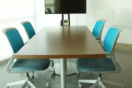 Flywheel Coworking @ Center for Design Innovation - Meeting Room B