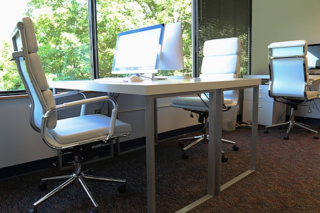 Perfect Office Solutions | Columbia - Private Desk