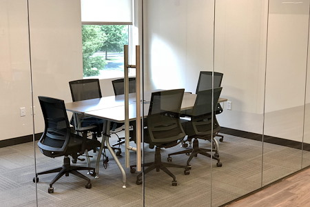 Launch Workplaces - Bethesda (Sangamore Rd) - Small Conference Room