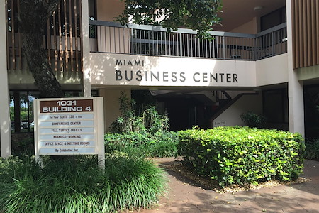 Goldbetter Miami Office Business & Conference Center - Office Space-An office to call your own.