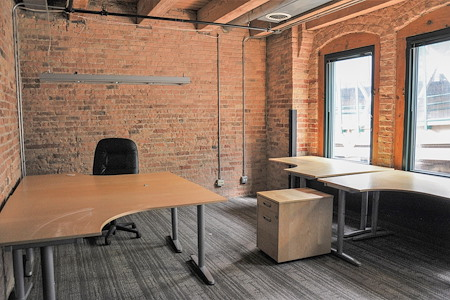 Urban Chicago Office Space - Office 2