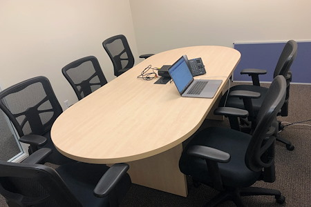 Private Executive Office - Conference Room (6 to 8 people)