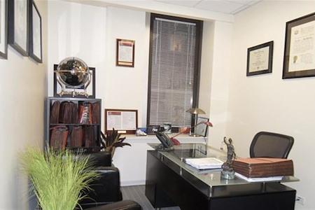 Jay Suites Grand Central - Suite 216 - 1 person private suite