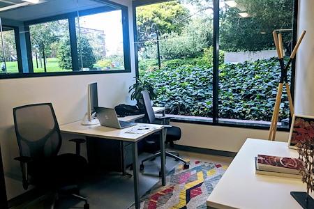 Regus | 505 Montgomery - Beautiful Window Office 1-4p @ Levis
