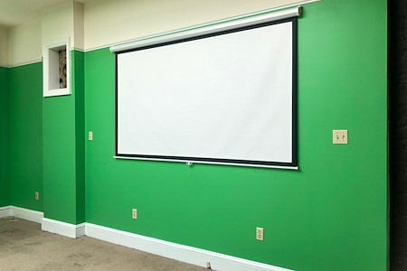 Think Bell Entertainment - THE GREEN SCREEN ROOM