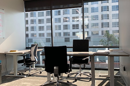 Downtown Works - Privater Office 401 (5 People)