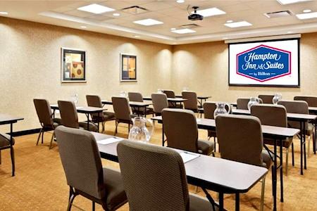 Hampton Inn & Suites Mt Prospect - Randhurst Room