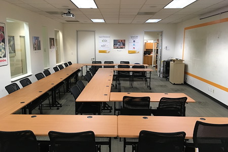 Renaissance Entrepreneurship Center - Newly Furnished Large Classroom