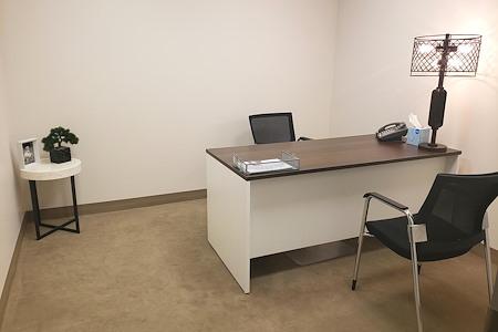 (MT1) Miami Tower - Private Interior Office