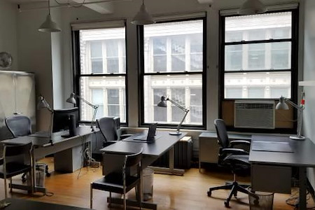 Metropolis Modern - 3 Hourly Desks in Flatiron Shared Office
