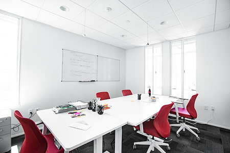 OnePiece Work Santa Monica - Office for 6 in Downtown Santa Monica