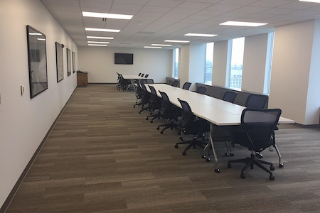 Chase Tower - Chase Tower Conference Room