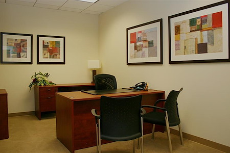 (CEN) Watt Plaza - Interior Office