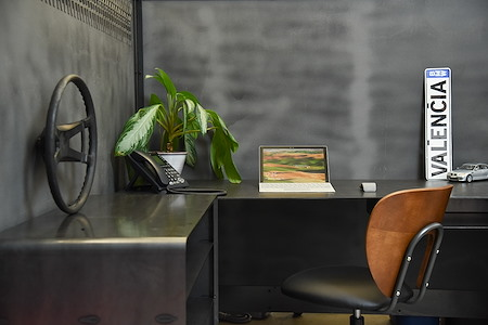 Urban Office - Dedicated desk