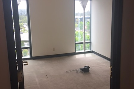 (ATR) The Atrium - 126sf window office