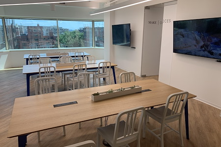 MakeOffices at Penn Ave - Open Seating