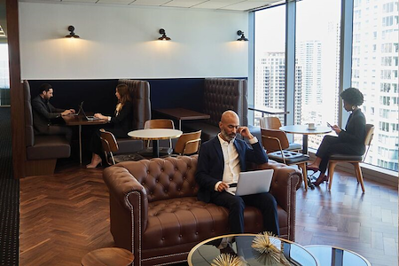 Servcorp - Downtown Los Angeles - Coworking Lounge Workstation 2
