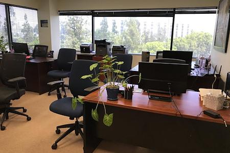 La Mirada Executive Suites - Office 4