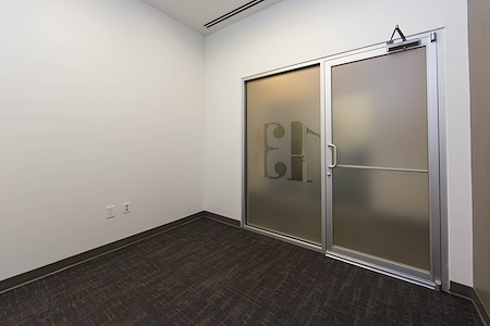 Roam Alpharetta - Dedicated Office for 4 People