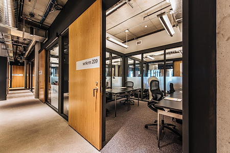 CENTRL Office - Downtown - Desks