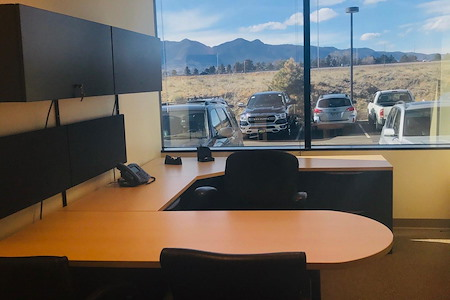 eSuite360 - Executive Office (Plaza Of The Rockies)