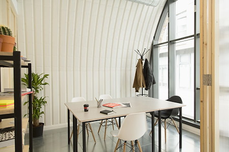 Hotel Elephant - Office 1
