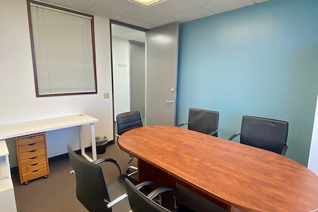 Skyline Executive Offices - suite 911