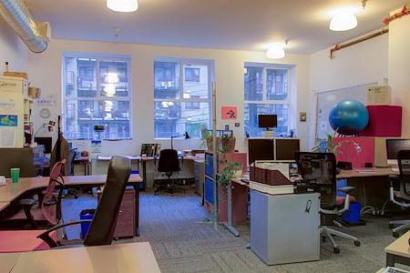 HiVE Vancouver Society - Permanent Desk