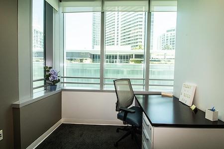 Quest Workspaces- 1395 Brickell - Exterior Office
