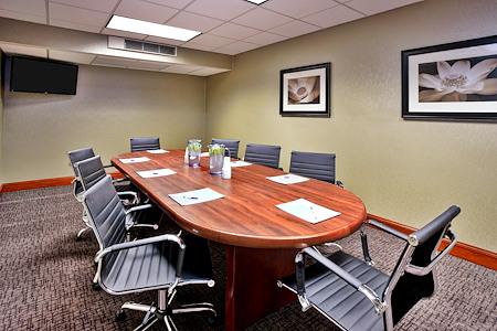 Holiday Inn Express Grand Rapids North - Walker Boardroom