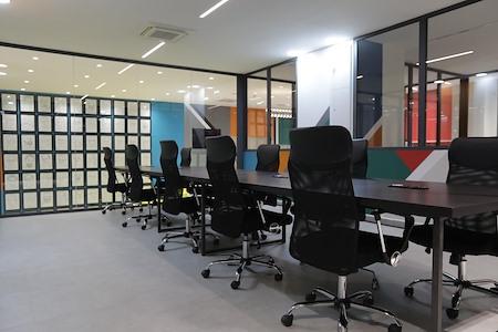 Africaworks Coworking - Open Desk 1