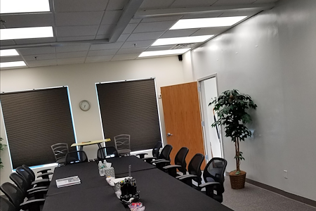7 Stage Advisors - Large Conference Room