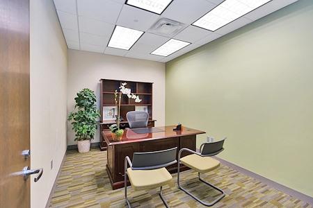 Carr Workplaces - Las Olas - Office 1472