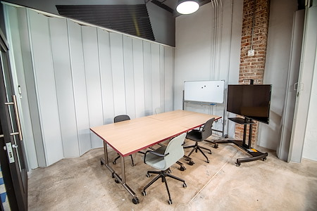 Minds Cowork - Meeting Room II