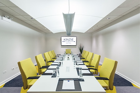 Kinzie Hotel - Wolf Point Board Room
