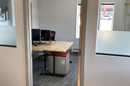 NiCHE Workspaces North Boulder - Medium Private Office